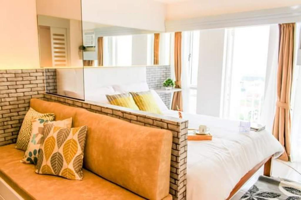 Light & Chic VacationPad Cityland Prime Residences