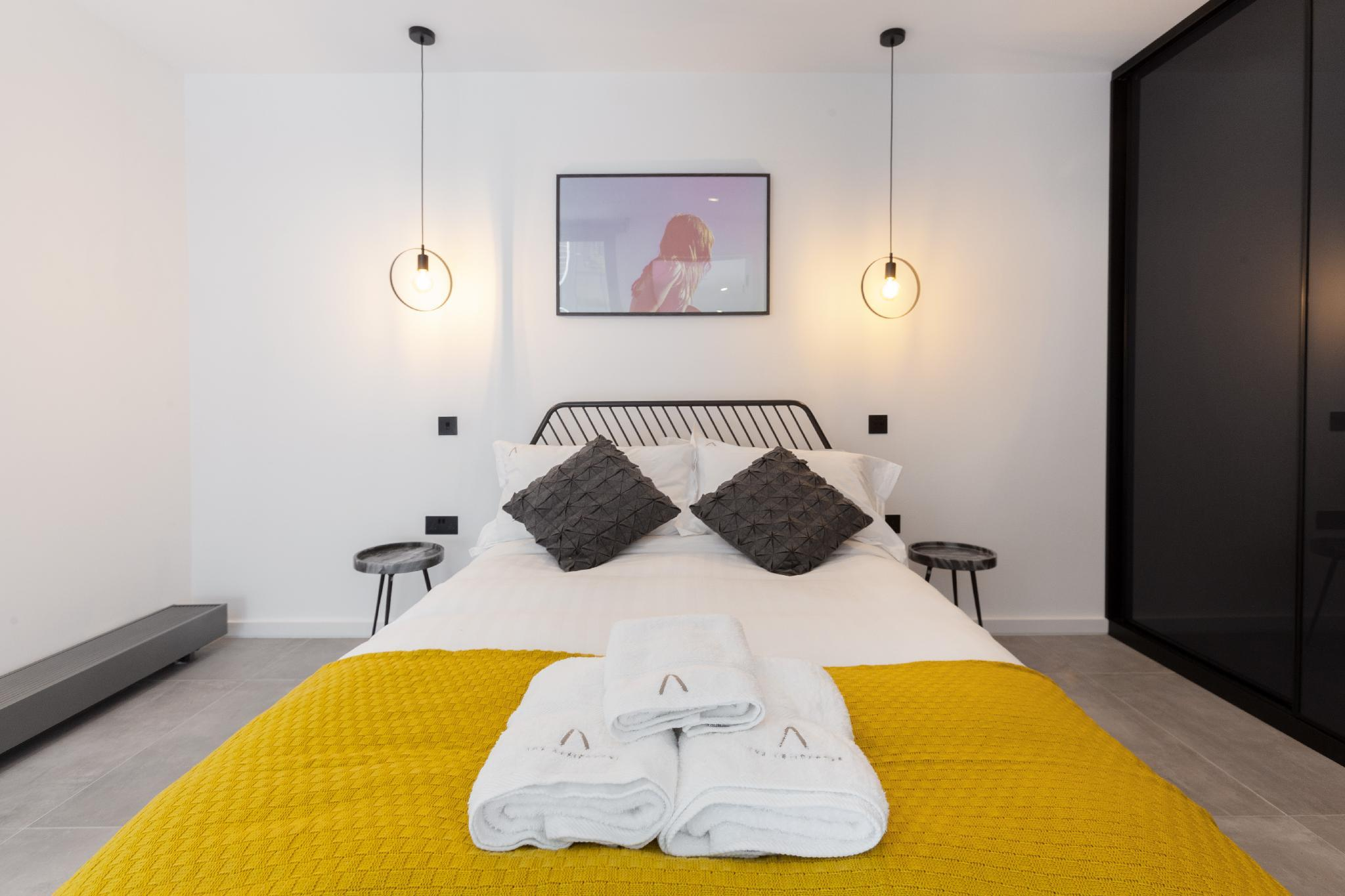 Stylish 3 bedroom House + Patio near Edgware Road