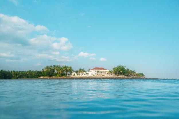 Bali Beach Mansion, An Absolute Beachfront Mansion