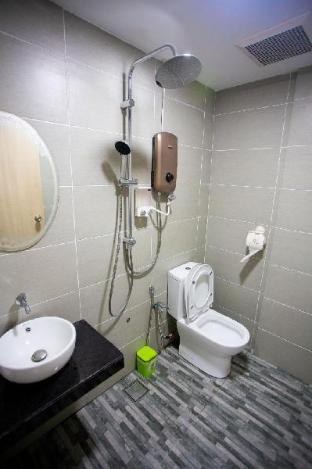 Room C Hom2rex  home to relax kuching homestay