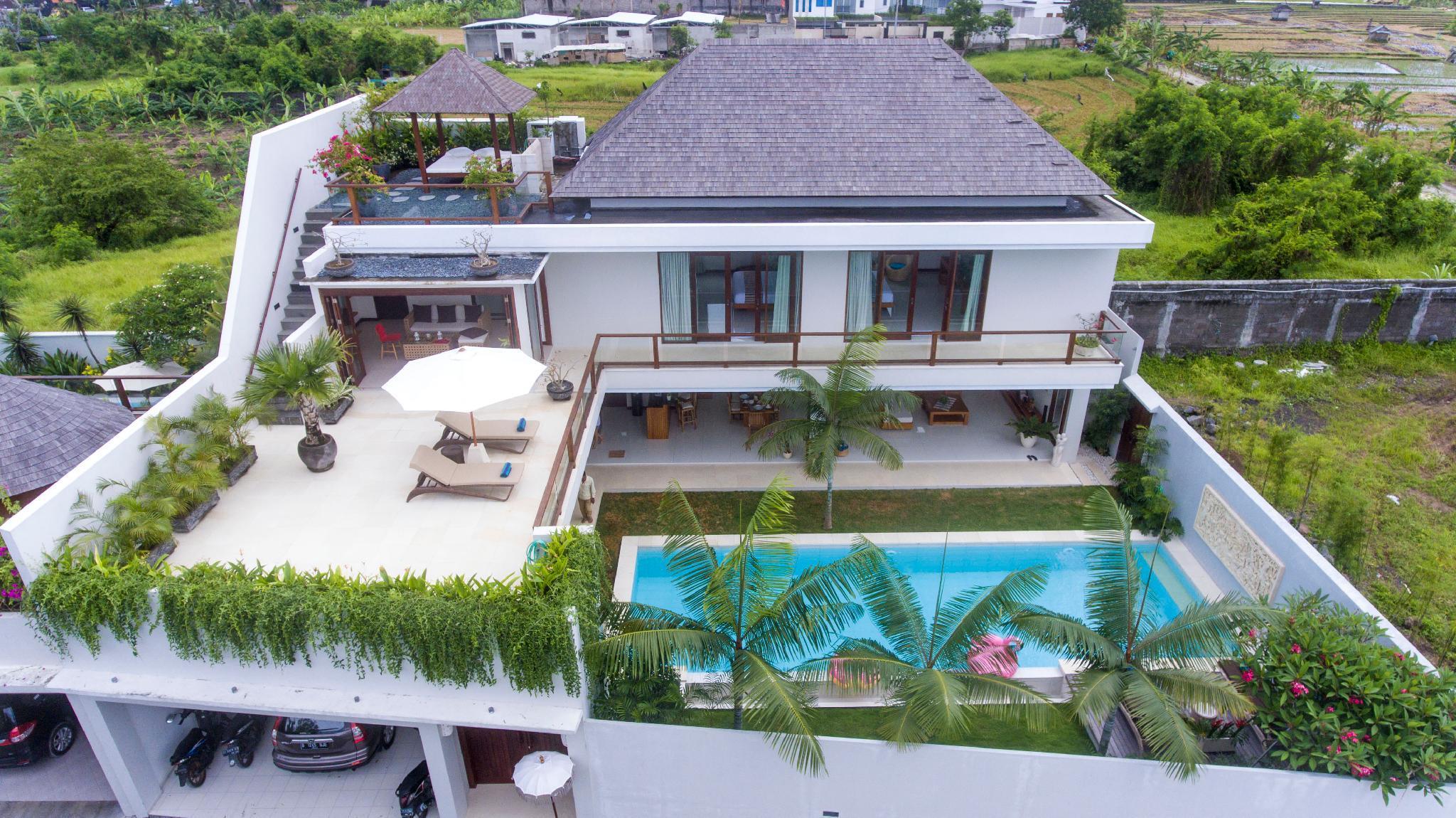 Agathis Villa