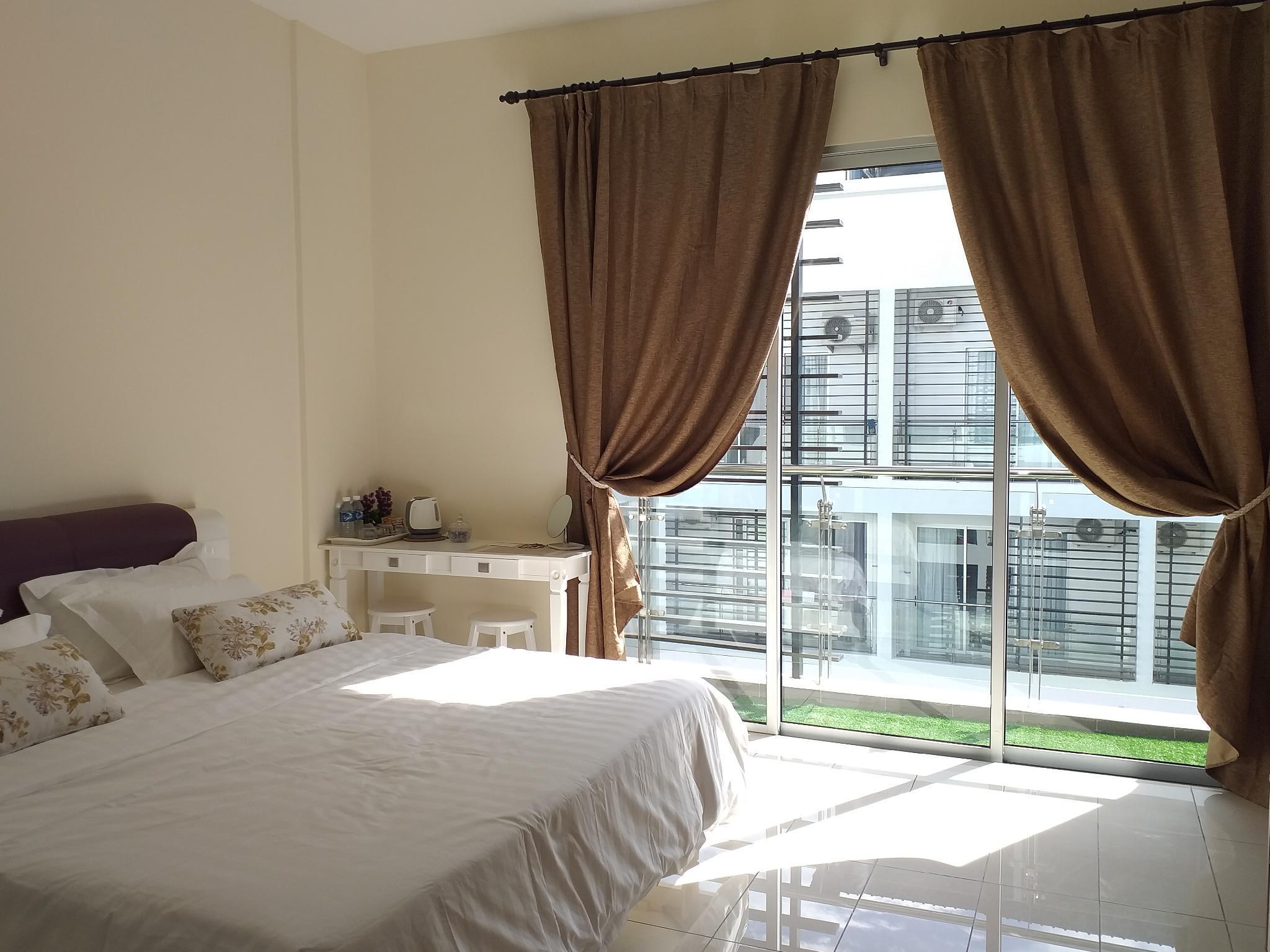 Aeropod Studio Suite 1 King Size Bed