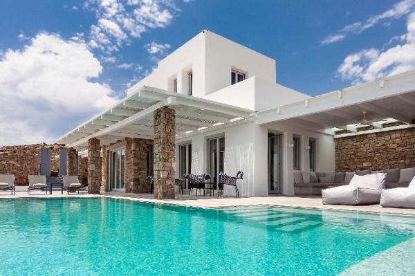 Epic Twin | 14 bedrooms | Villa for 28+ quests Mykonos