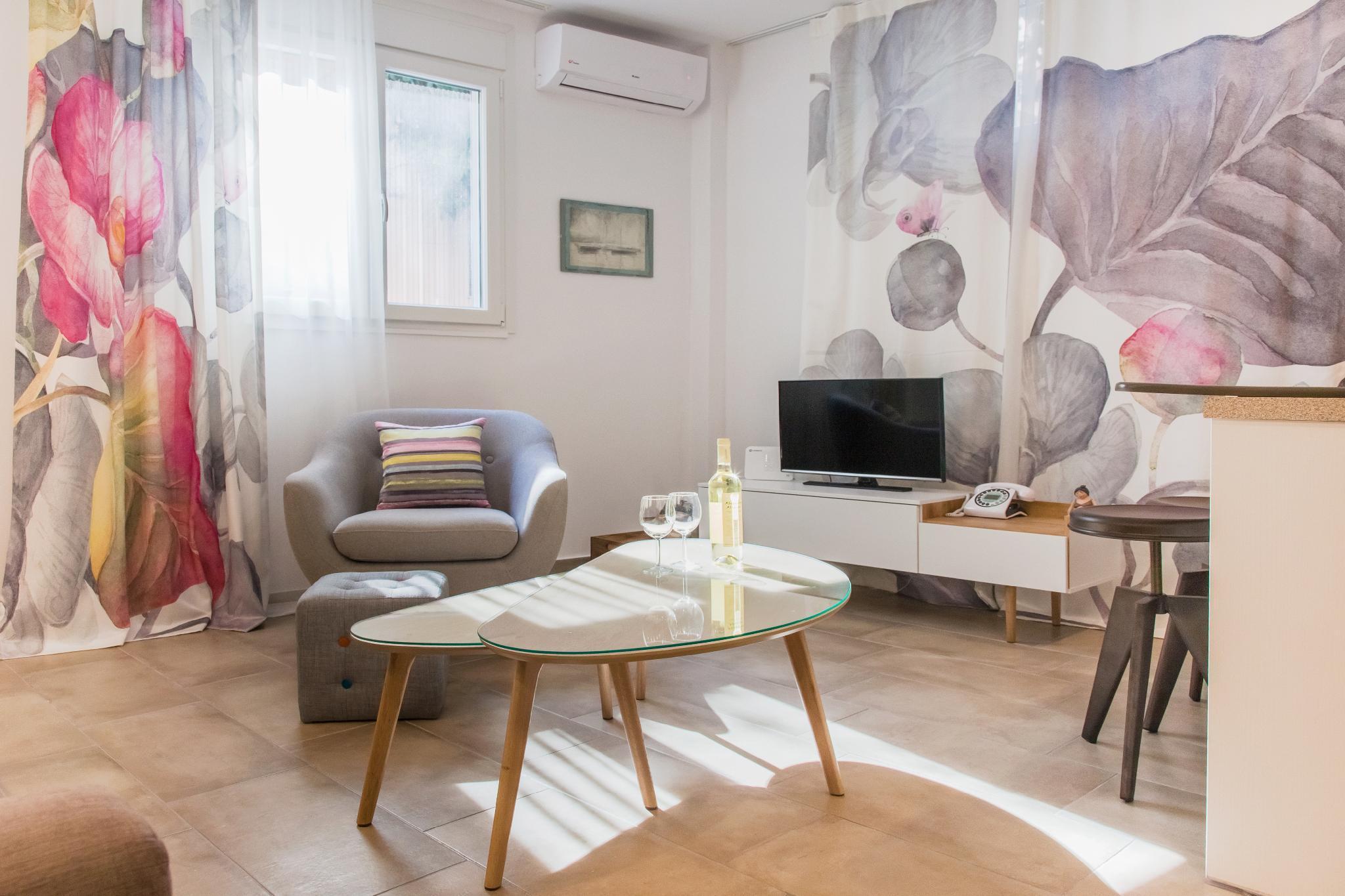 Peaceful Apartment Next To Acropolis