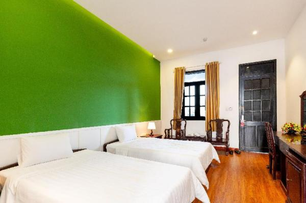 AA Twin room with FREE and SPACIOUS parking place  Ho Chi Minh City