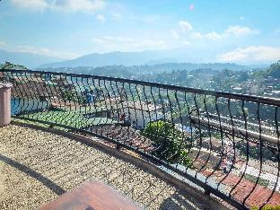picture 3 of Baguio City 3-Bedroom Unit with Balcony views