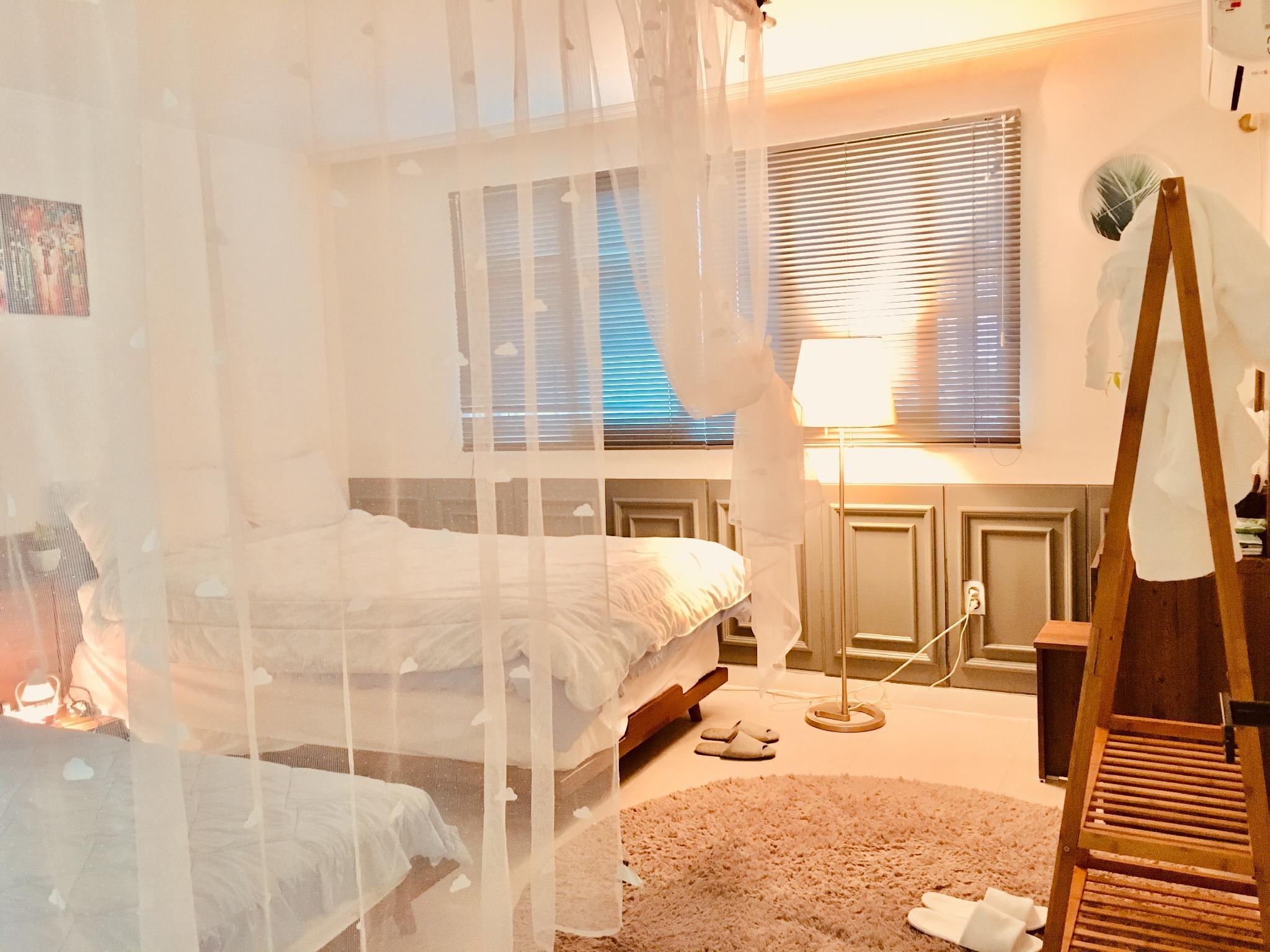 2BR Five Minutes Walk Nonhyeon And Sinsa Station