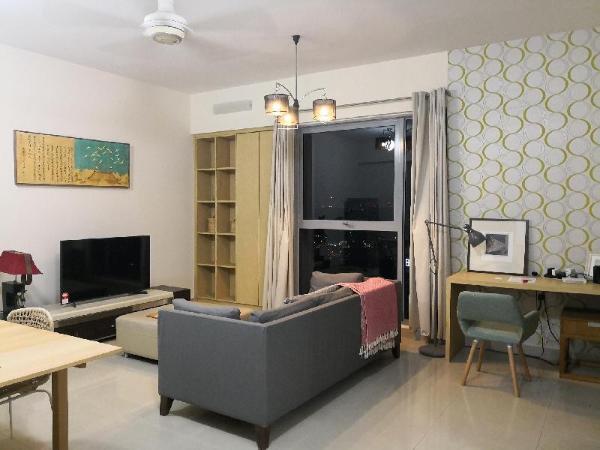 Pj8 service suite, a homelyapt near train station Kuala Lumpur