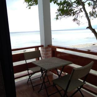 picture 5 of Island Sea View Suite 2 with Breakfast for Two