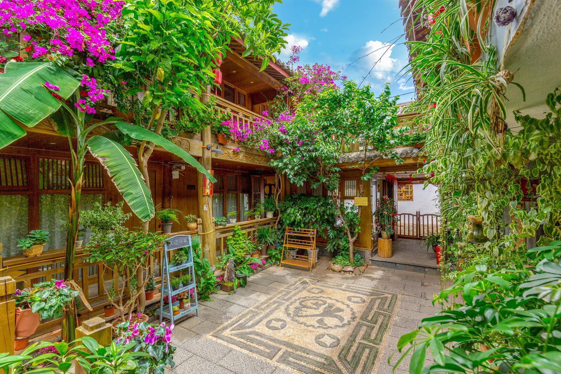 Xi's Garden Duplex Family Suite