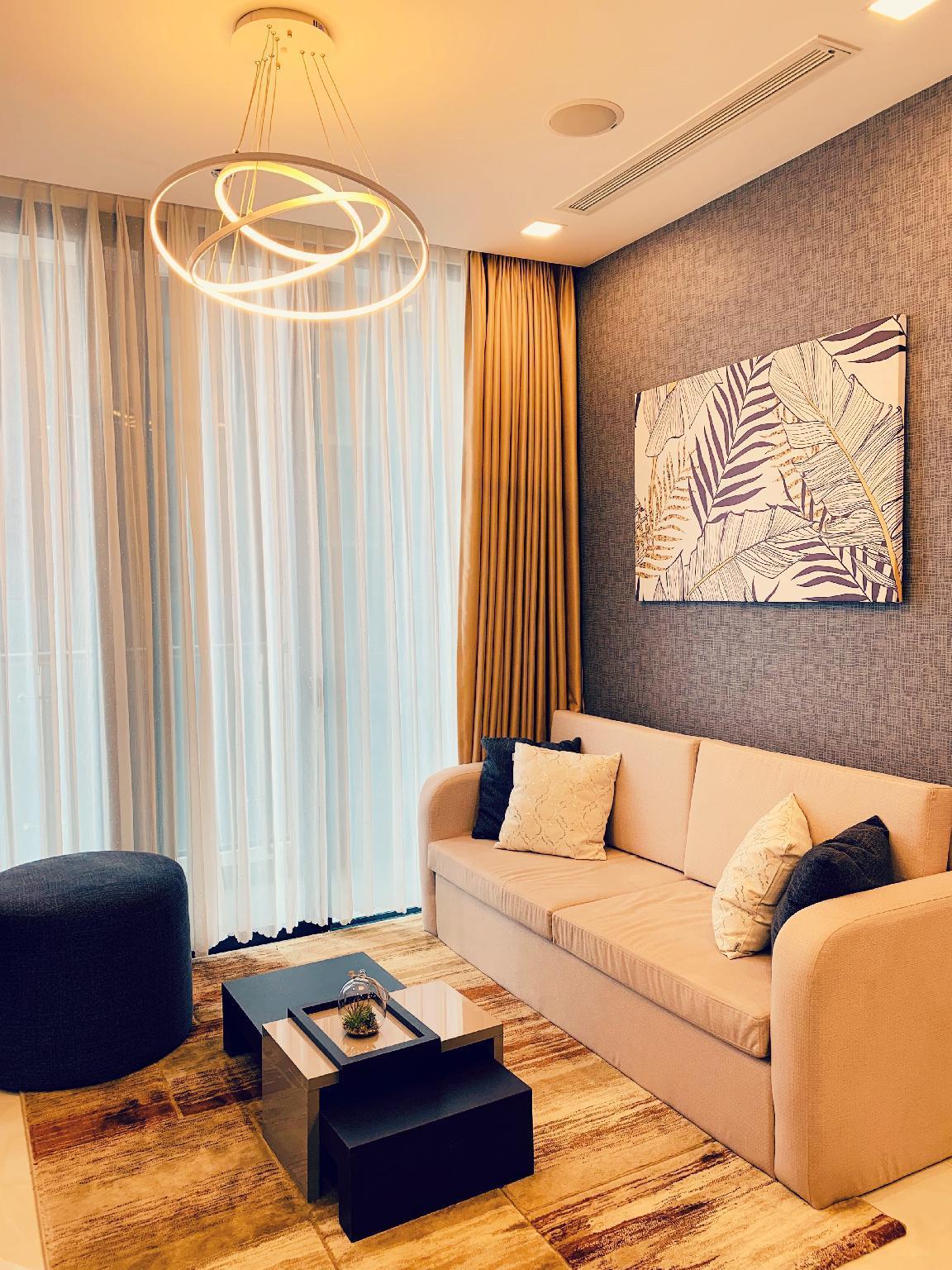 FREE BREAKFAST     Modern Furniture In Luxury Apt