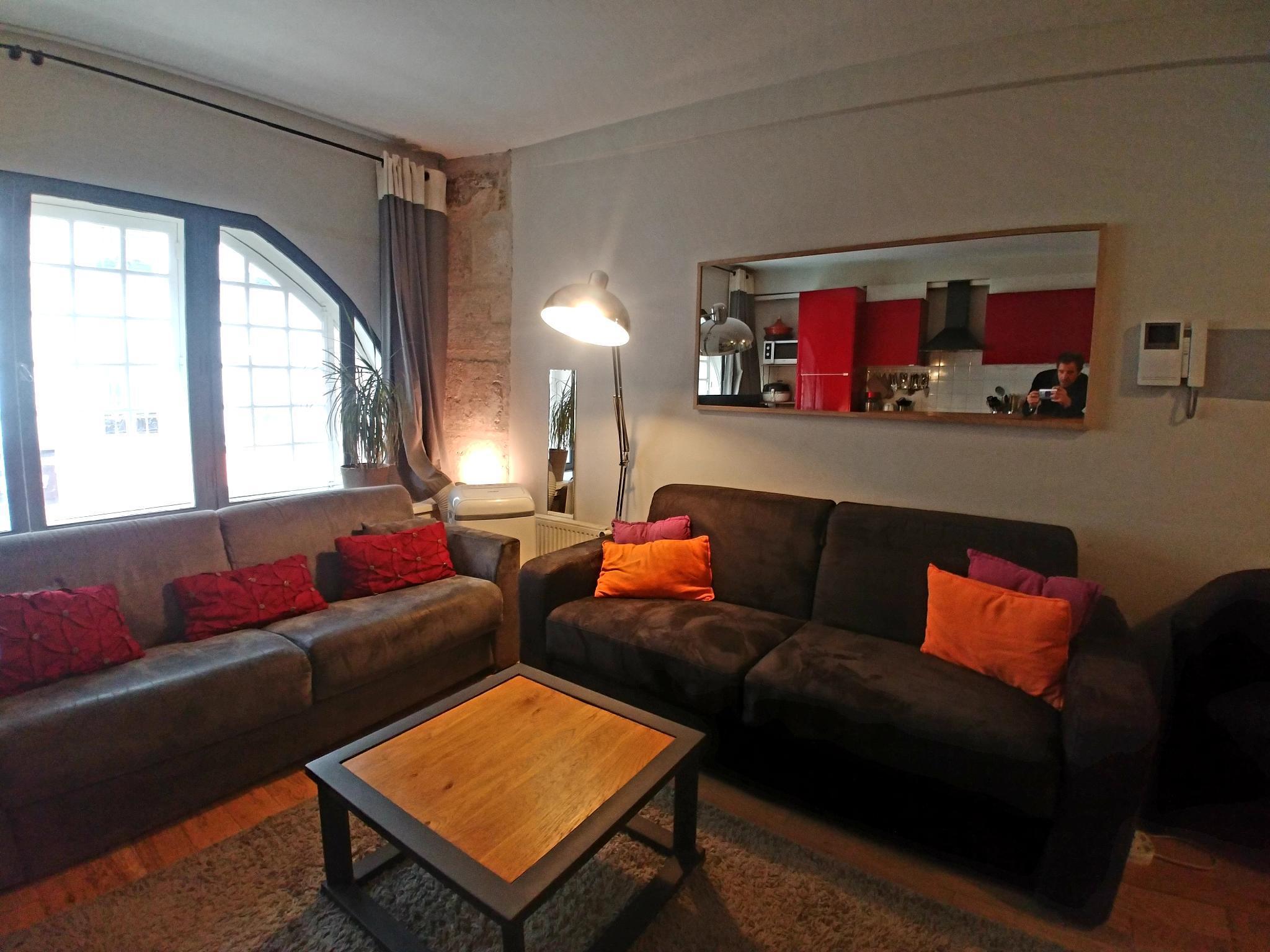 YOLO Very Central 3 bedrooms, 8 pax, 2 bathrooms !