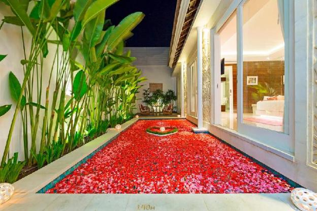 Romantic One Bedroom Private Pool Villa At Bajra