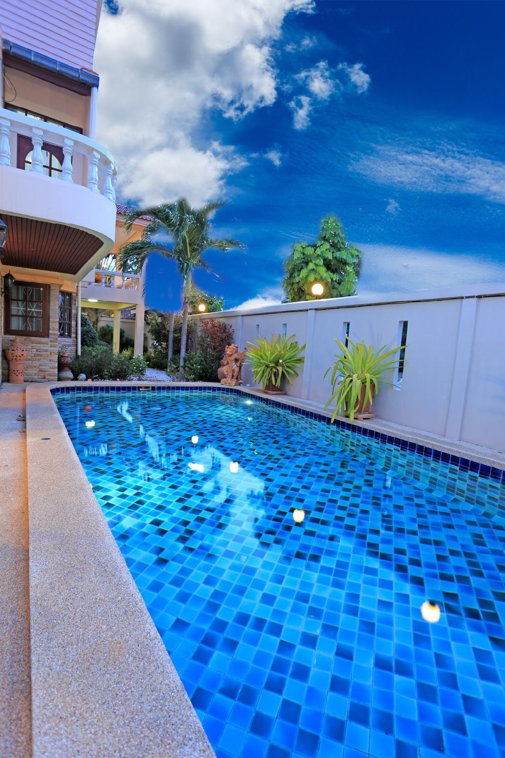 Nirvana Pool Villa By The Beach