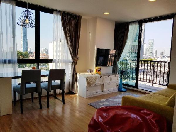 Comfy & Cozy Room Opposite Ferris Wheel View Bangkok