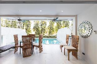[カトゥー]一軒家(300m2)  5ベッドルーム/6バスルーム 5 bed/bath villa for 14, private pool, 7kms Patong