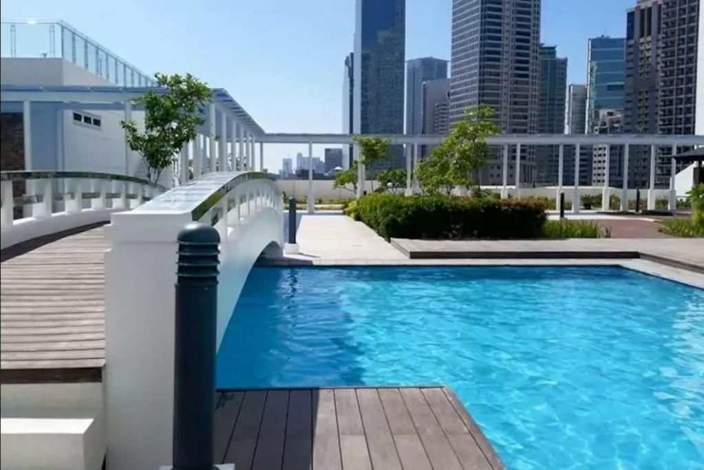 Pool View One Bedroom In Jazz Residences