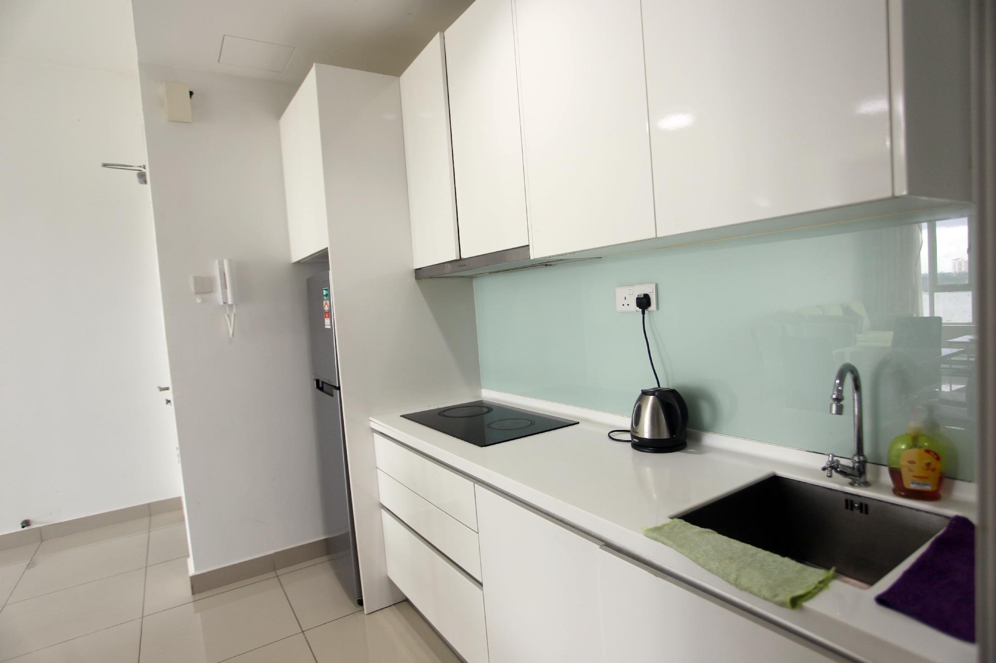 08 Tropez Residence@10m Spore