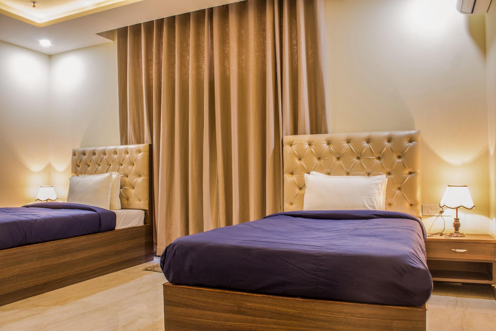 Hotel Lav Kush International