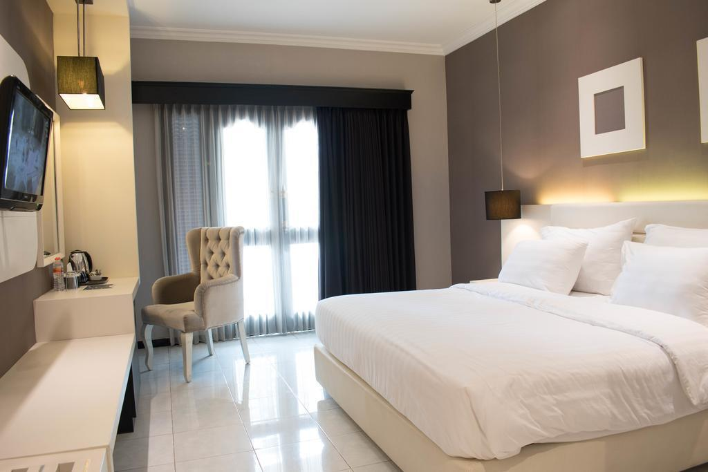 Deluxe Double Room At Jl. KH Agus Salim