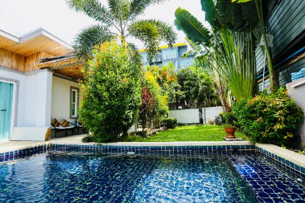 Walk 700m to  beach,Modern and  comfortable  villa Phuket