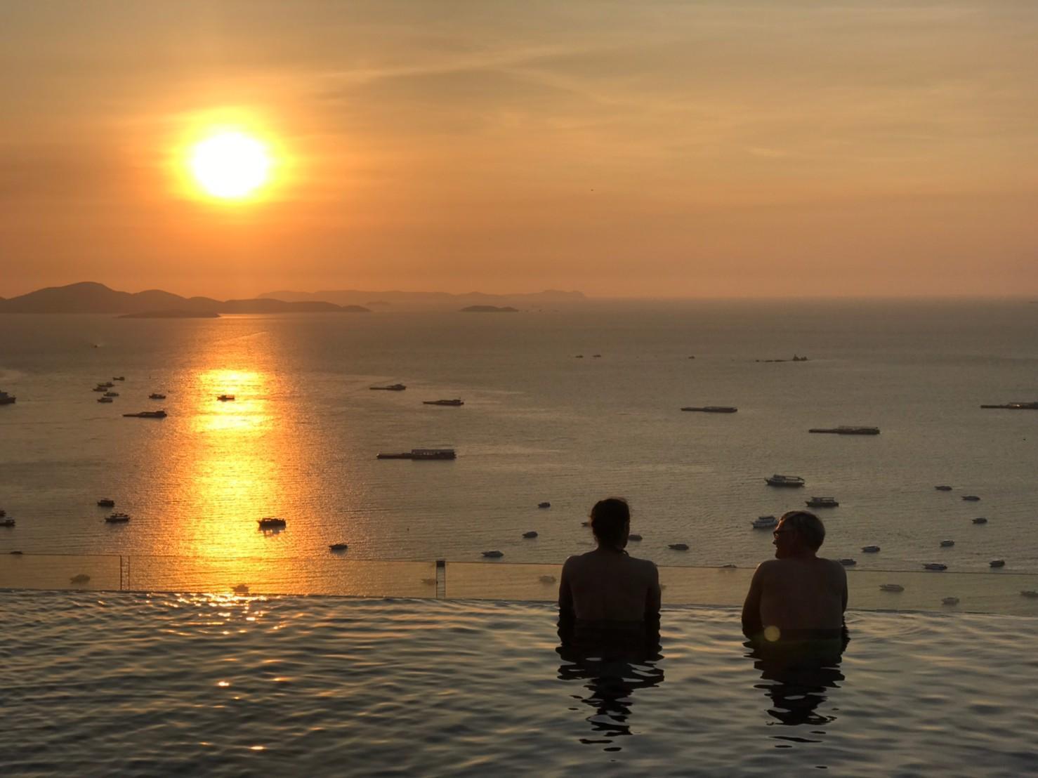 Centric Sea Pattaya Sea View Pools 1 BR อพาร์ตเมนต์ 1 ห้องนอน 1 ห้องน้ำส่วนตัว ขนาด 35 ตร.ม. – พัทยากลาง