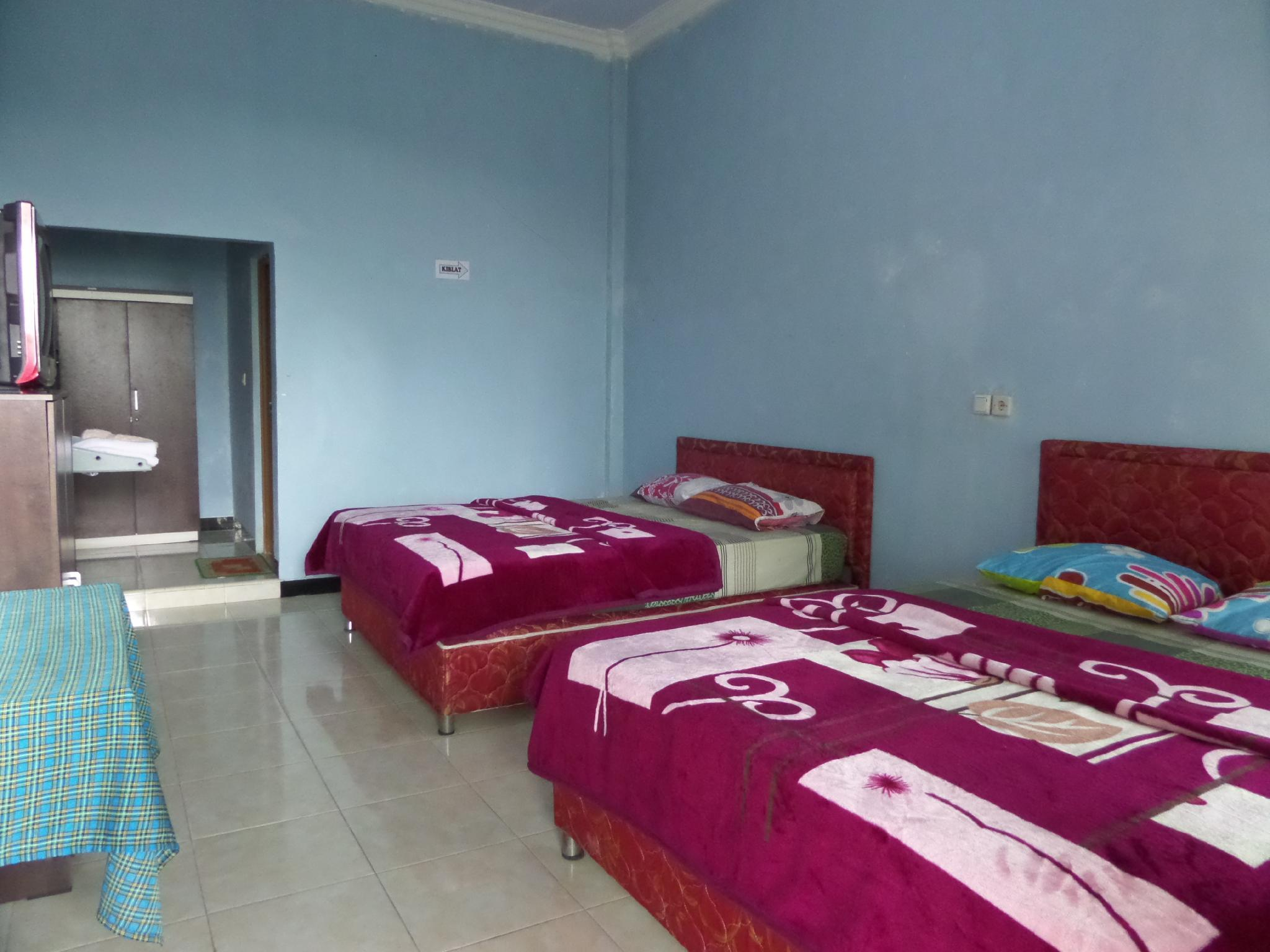 Deluxe With Breakfast 4 Person At Nadia Bromo