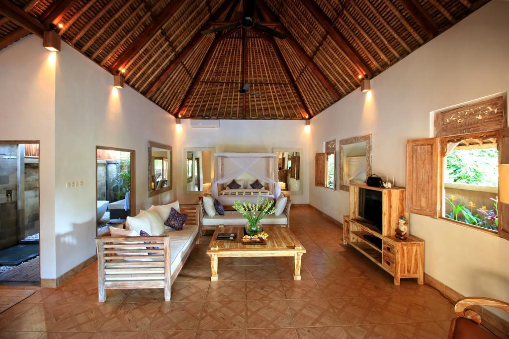 West Villa With 1BR At Ubud