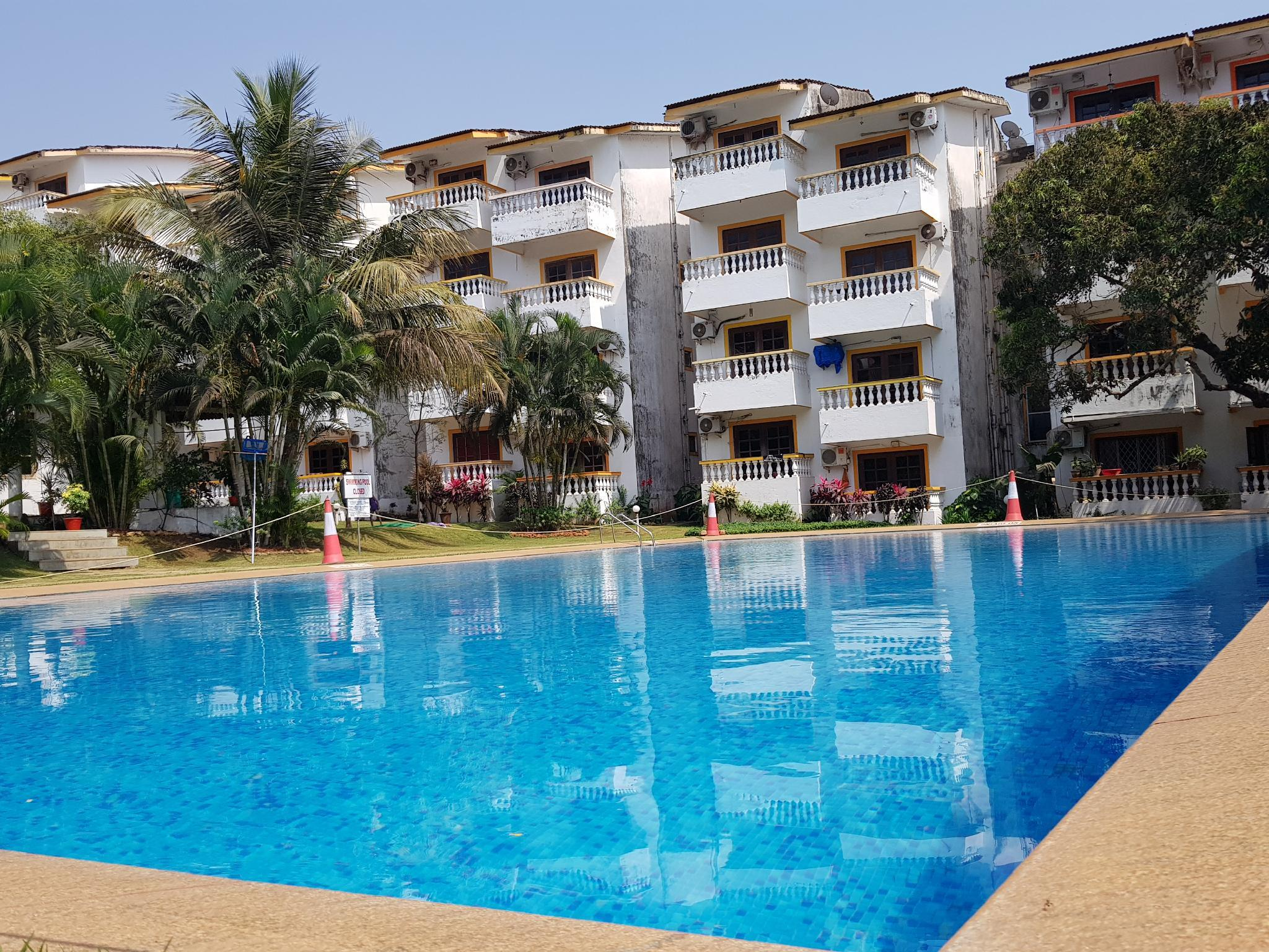 1 Bedroom Pool View Apartment In Candolim
