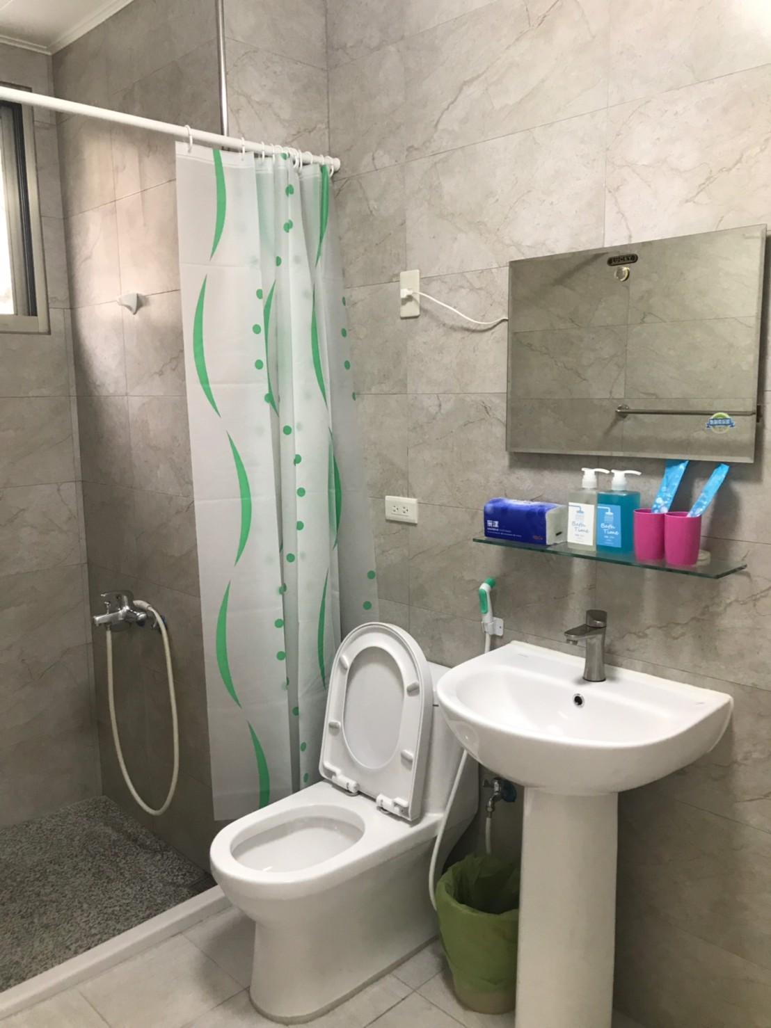 Simple Suite 701  Separate Double Room