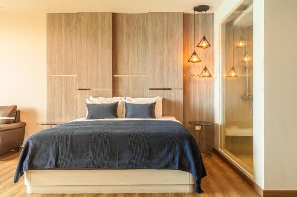 Sea view Studio 1 bedroom at karon 306 Phuket