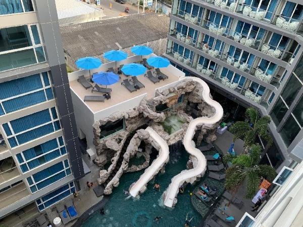 Centara Avenue Pool View Pattaya