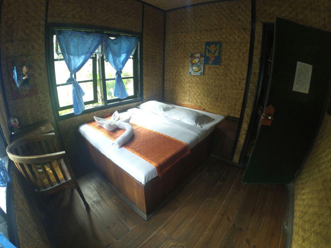Economy Room At Yoschi Home Bromo