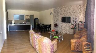 picture 4 of Sandra's Apartment