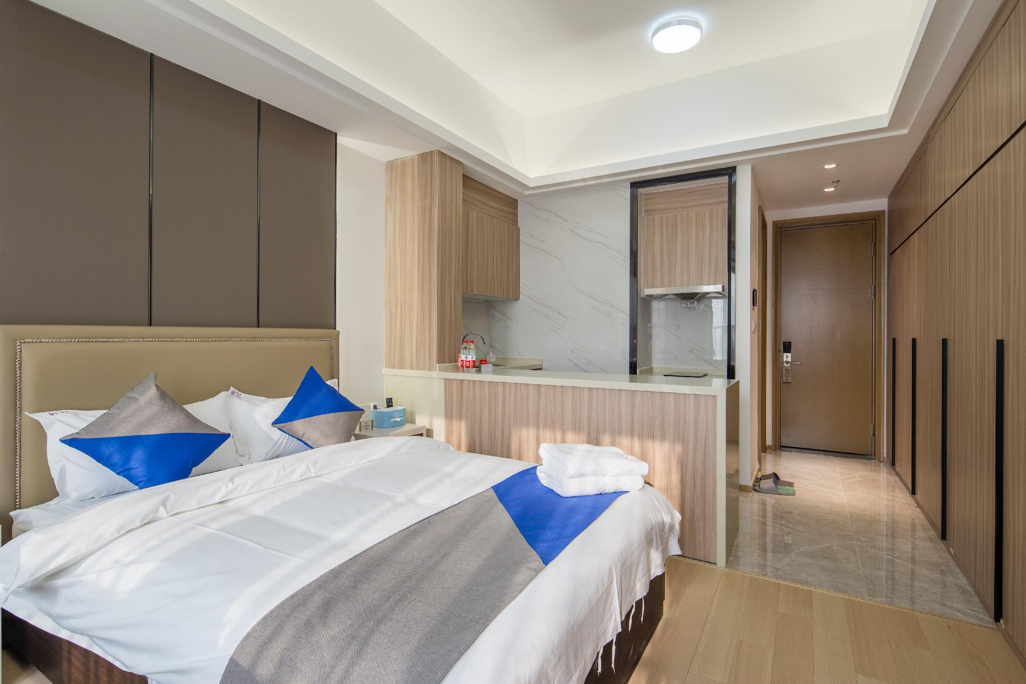 Deluxe Big Bed Room