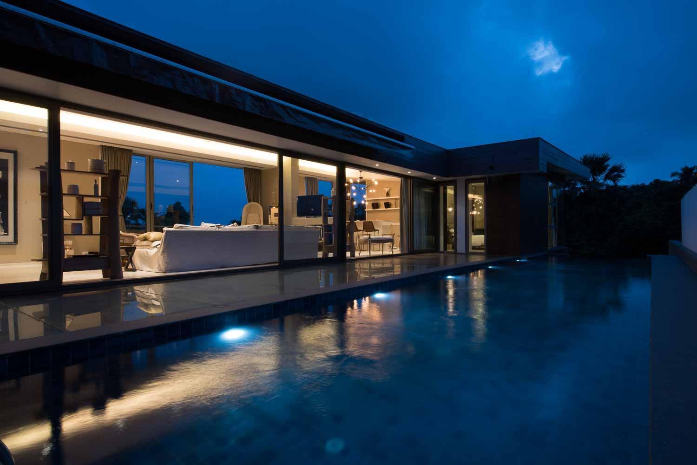 4BR Ultra Luxury Celebrity Villa W  Rooftop Pool
