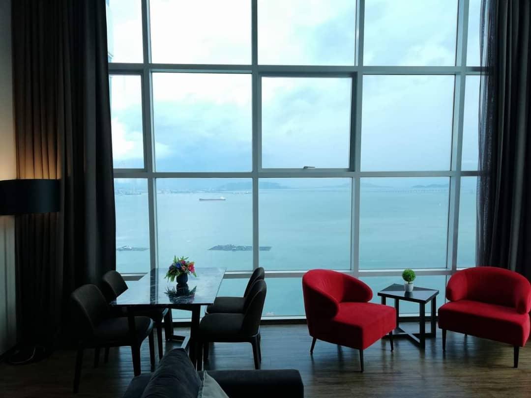 Summertime Maritime Luxury Seaview Suite I