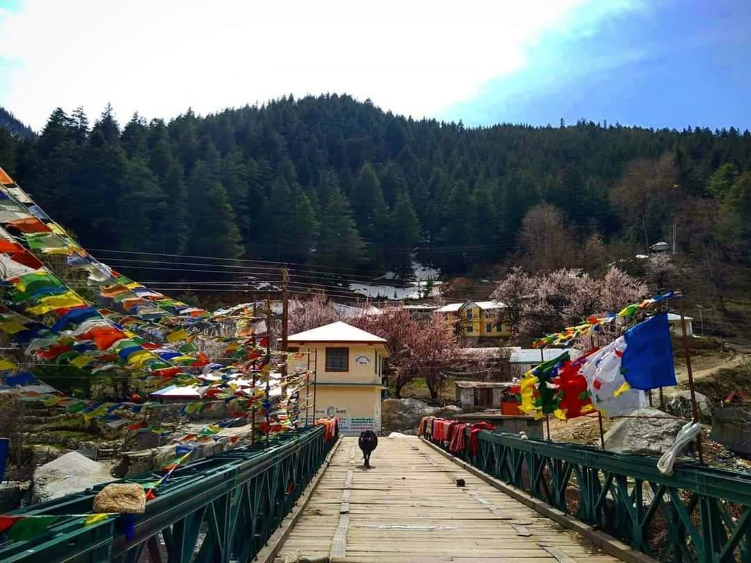 Romantic And Beautiful Exploring Places & Regions