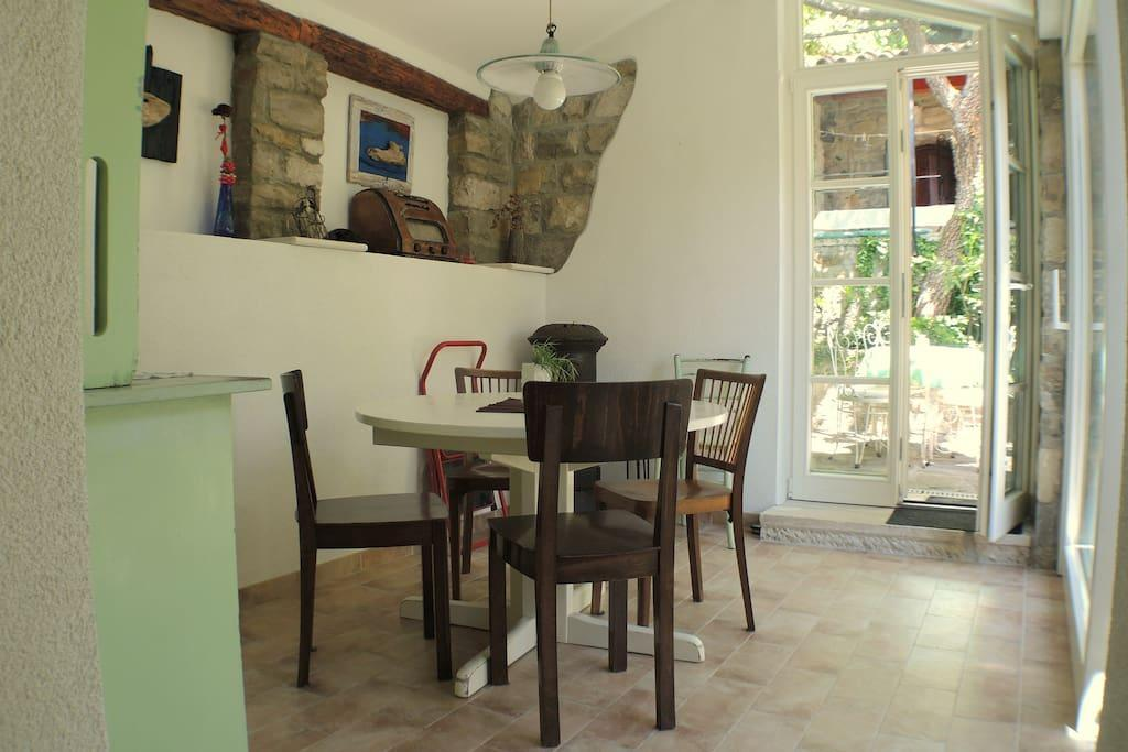 Comfortable Apartment With Garden JG4