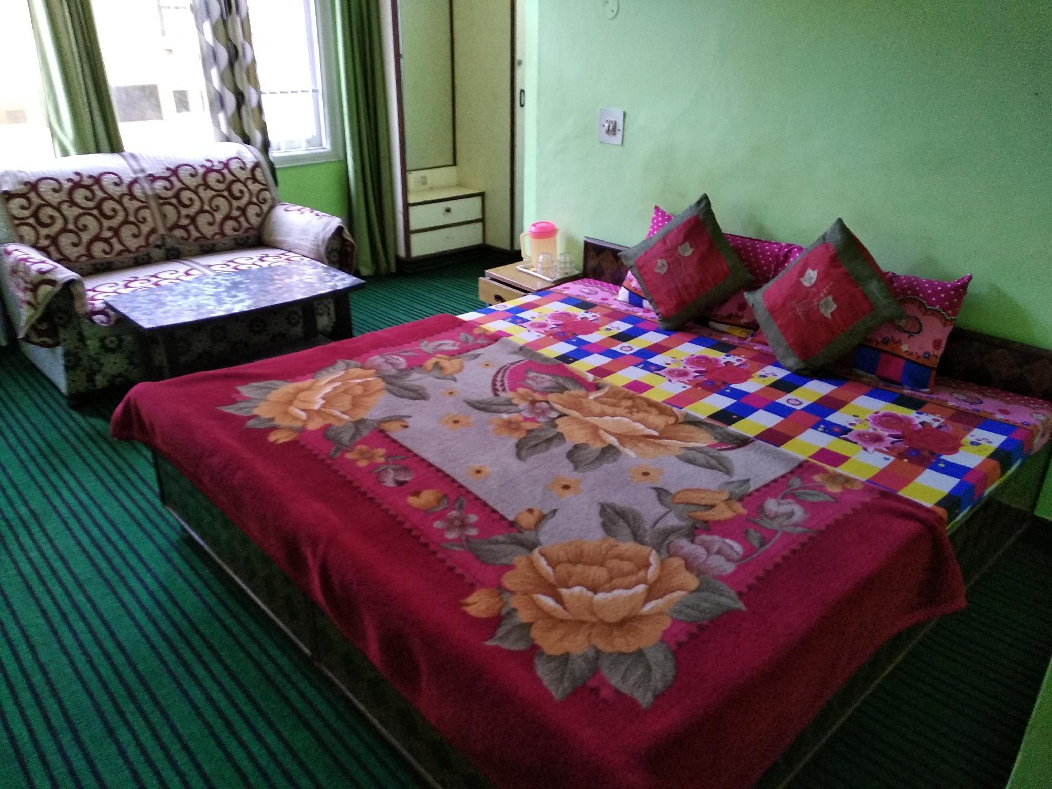 Hotel Kanhas Near Maharaja Hotel Shimla 03�