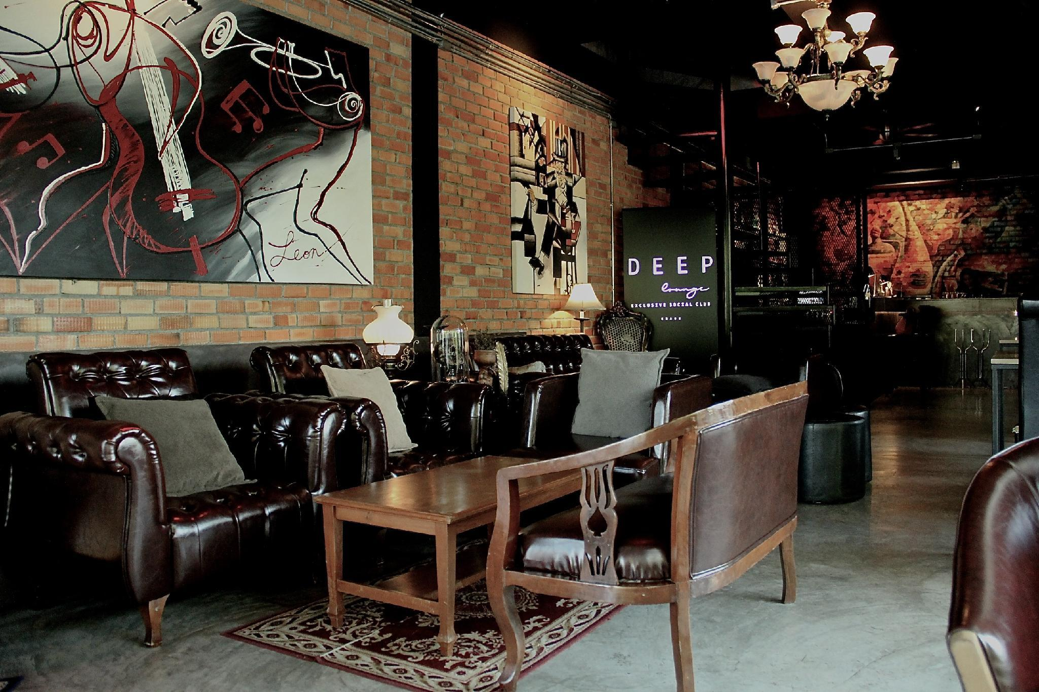 Deep Lounge And Residence