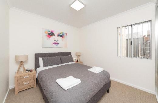 Eliza Park Suite 21