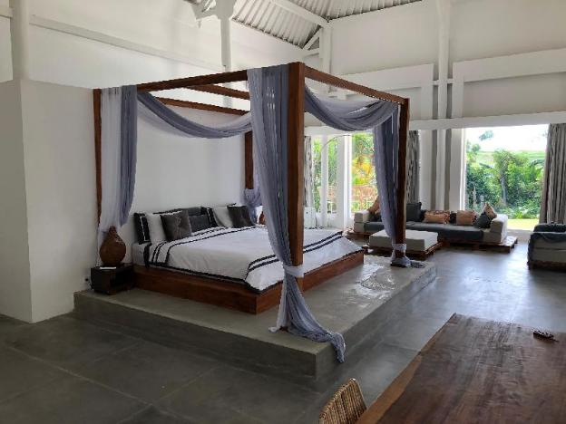 Magical 8 bedroom next to Canggu