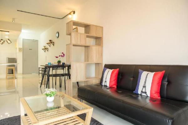 JK home@ 1Tebrau Studio 1-4pax FreeWifi Midvelley Johor Bahru