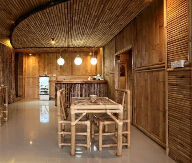 Wow, Private BR (rice fields)& Bamboo workshop