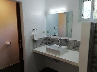 picture 4 of standard room calm, confortable, good location 22