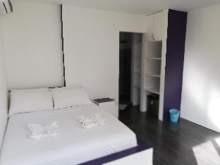 picture 1 of standard room calm, confortable, good location 22