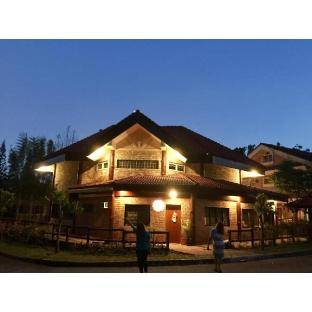 picture 4 of Tagaytay Canyon Woods Brick House