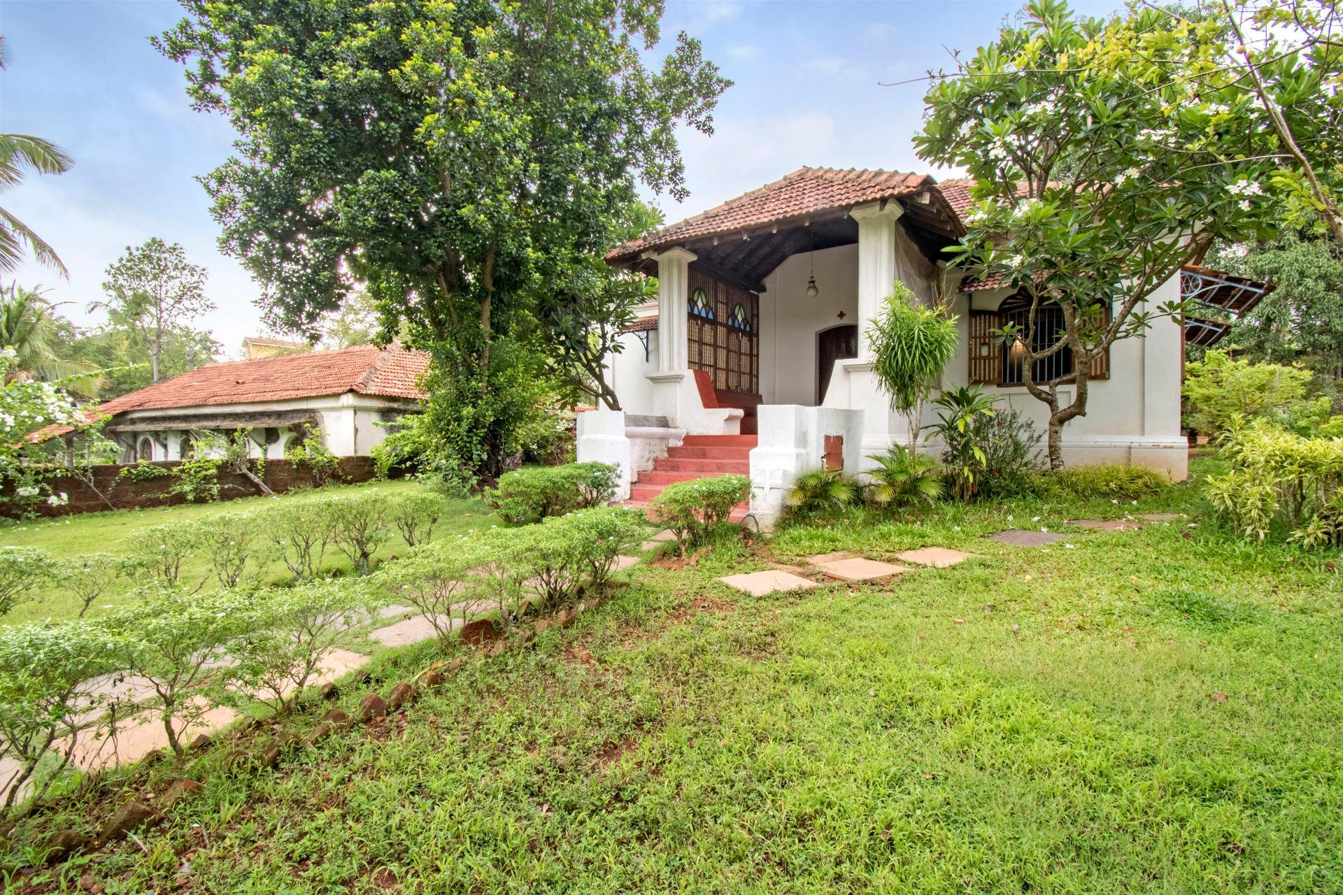 Luxe 3 Bedroom Villa Amid Gorgeous Environs 73959