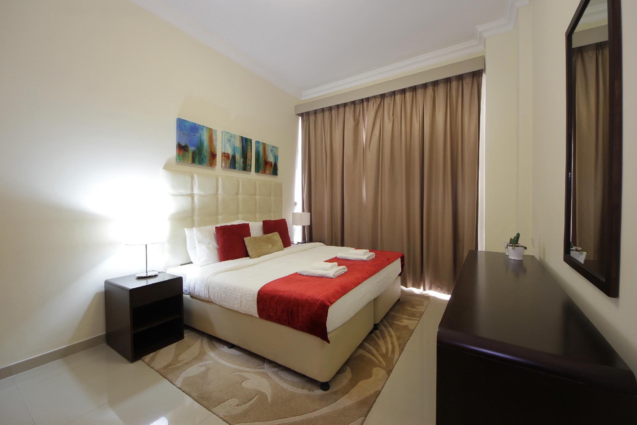 Luxury 1 Bedroom Apartment  Lincoln Park B 523